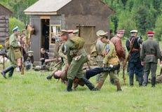Het vervoeren van de dode militair Stock Foto