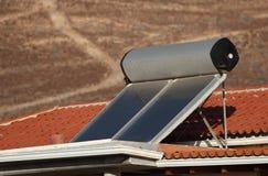Het verwarmen van het water zonnepanelen Stock Afbeelding