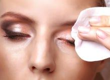 Het verwijderen van make-up Stock Fotografie