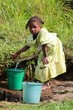 Het verzamelen van water Royalty-vrije Stock Foto