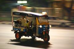 Het verzenden Tuc Tuc in Thailand Stock Afbeelding