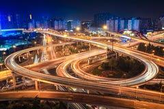 Het viaduct van de stadsuitwisseling Stock Fotografie