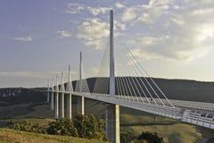 Het Viaduct van Millau stock foto