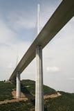 Het viaduct van Millau/Viaduc DE Millau Stock Afbeelding