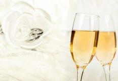 Het vieren met Champagne stock fotografie
