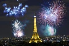 Het vieren Nieuwjaar ` s in Parijs Royalty-vrije Stock Foto's