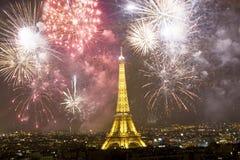 Het vieren Nieuwjaar ` s in Parijs Stock Foto
