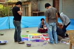 Het vieren Tihar Deepawali festival bij thamal markt Stock Foto's