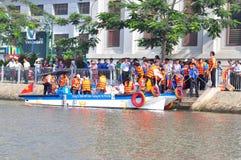 Het vieren van de Nationale Visserijdag in Vietnam in Saigon-rivier Royalty-vrije Stock Fotografie