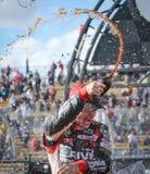 Het Vieren van Jeff Gordon van de Bestuurder NASCAR wint Stock Fotografie