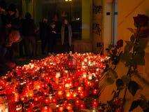 Het vieren van 28ste verjaardag van de Fluweelrevolutie in Praag Stock Fotografie