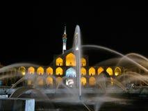 Het vierkant en de fontein van Amir Chakhmaq Complex bij nacht, Yazd Iran royalty-vrije stock afbeelding
