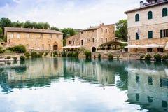 Het Vierkant van bronnen in Bagno Vignoni Royalty-vrije Stock Foto