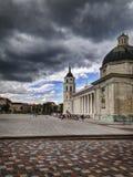 Het vierkant van de kathedraal in Vilnius royalty-vrije stock afbeelding