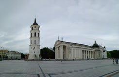 Het vierkant van de kathedraal in Vilnius, Litouwen Royalty-vrije Stock Afbeeldingen