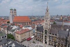 Het Vierkant van de Marienplatzstad in München, Duitsland stock foto's