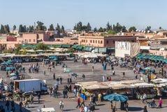 Het vierkant van Djemaagr Fna in Marrakech stock afbeeldingen