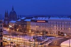 Het vierkant van Europa in Wenen bij donkere de winternacht Royalty-vrije Stock Afbeelding