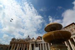 Het Vierkant van heilige Peter. De Stad van Vatikaan stock afbeelding