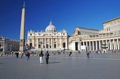 Het Vierkant van heilige Peter (het Italiaans: Piazza San Pietro) Stock Fotografie