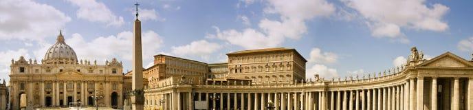 Het vierkant van heilige Peter in Vatikaan, Italië Royalty-vrije Stock Foto's