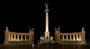 Het Vierkant van helden in Boedapest Stock Foto