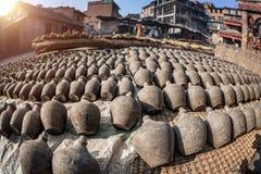 Het vierkant van het aardewerk in Bhaktapur Stock Foto's