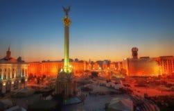 Het Vierkant van Kiev bij Nacht Stock Afbeelding