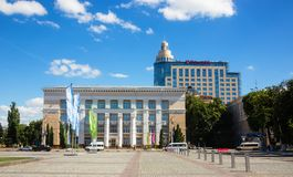 Het Vierkant van Lenin met een mening van de centrale die bibliotheek na Niki wordt genoemd stock foto's