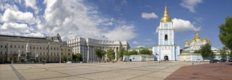Het Vierkant van Mihaylivska in Kiev Stock Fotografie