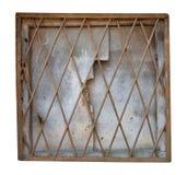 Het vierkante gebogen venster ched binnen gesloten met geïsoleerd metaalnet en gebarsten triplex stock afbeeldingen