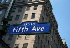 Het vijfde Teken van de Weg in New York Stock Foto's