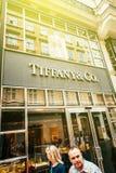Het vlaggeschipopslag van Tiffany & van het Bedrijf op zonnige dag Stock Foto