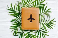 Het vlakke concept van de de zomervakantie, legt met ruimte voor tekst paspoort Stock Foto