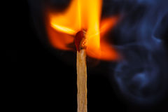 Het vlammen matchstick stock foto