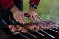 Het vlees is gebraden op de grill Stock Foto