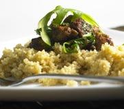 Het vlees van de kip met rucola Stock Fotografie