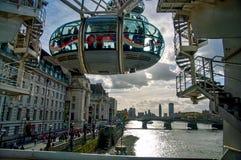 Het vliegen boven Londen Stock Foto