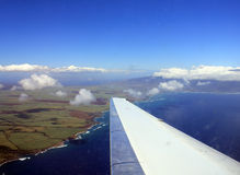 Het vliegen boven Maui Hawaï Stock Fotografie