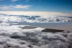 Het vliegen boven wolken Royalty-vrije Stock Foto