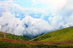 Het vliegen in de wolken van droom royalty-vrije stock foto