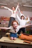 Het vliegen in het klaslokaal Royalty-vrije Stock Foto's