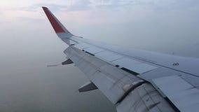 Het vliegen over de Straat van Malacca stock video