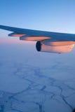 Het vliegen over het Noordpoolgebied Stock Fotografie