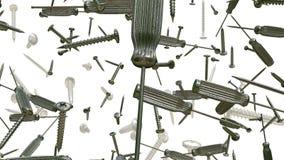 Het vliegen schroevedraaiers en schroeven op wit stock footage