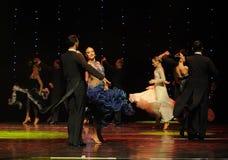 Het vliegen van de rok-quick-step-de werelddans van Oostenrijk Stock Foto