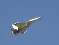 Het vliegen van su-30 Stock Fotografie