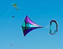 Het vliegen van vliegers Stock Foto