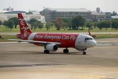 Het vliegtuig die en aan het parkeren landen drijven Royalty-vrije Stock Foto