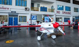 Het vliegtuig nr van Chip Mapoles ` s 40 ` Misserusa ` vliegtuigen modelleren Cassutt Slipknot in Luchtras 1 Wereldbeker Thailand royalty-vrije stock fotografie